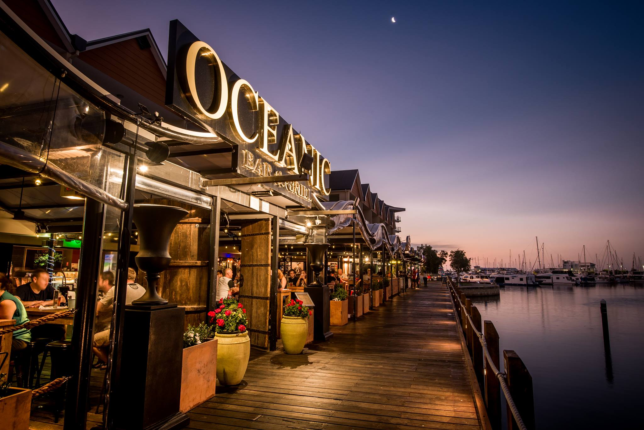 Oceanic Bar and Grill - Nightcruiser Party Bus Party Tours - Mandurah