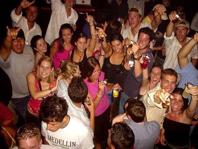 Pub-Crawl Nightcruiser Party Bus all night fun