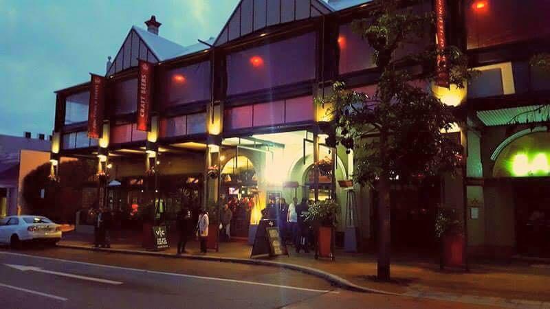 Pub Crawl - Nightcruiser Party Bus Tours - Perth