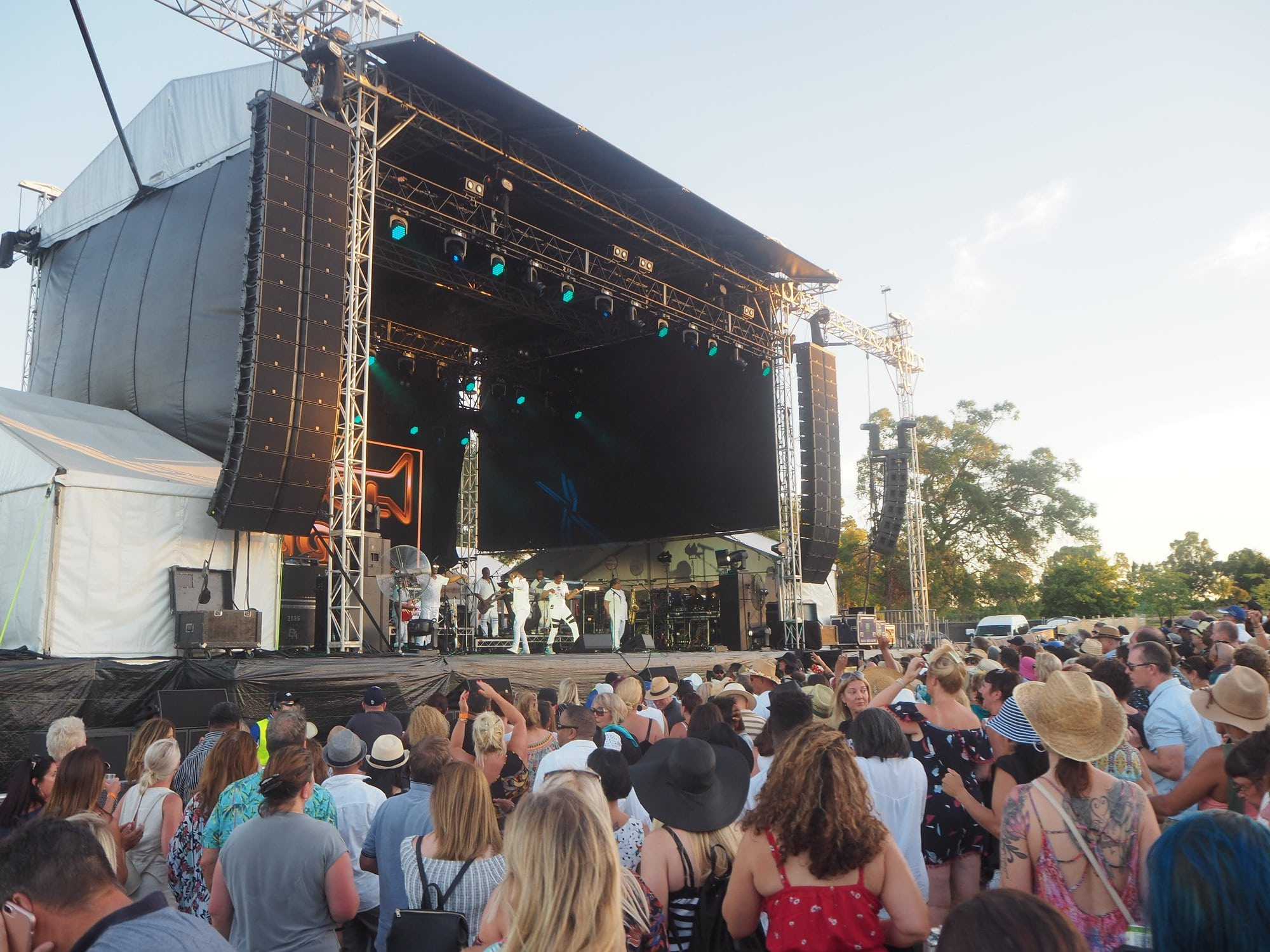 This image has an empty alt attribute; its file name is sandalford-margaret-river-concert-min-1.jpg