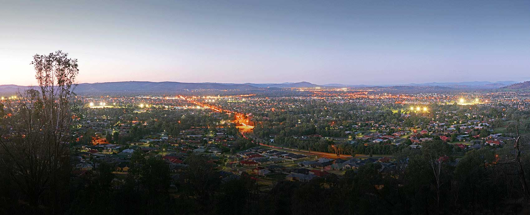 This image has an empty alt attribute; its file name is wodonga_night.jpg